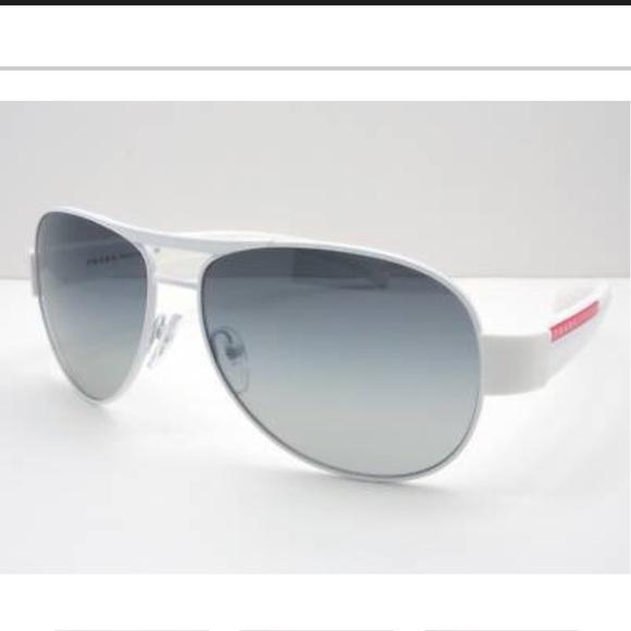 4fb363c17a9bb PRADA Sunglasses 🕶. M 5b69d6e84773685b6627c4c4